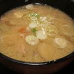 串特急 虎壱横丁 - 虎壱定食の味噌汁は、豚汁