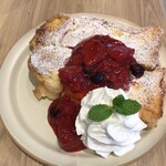 ELOISE's Cafe - ベリーベリーフレンチトースト