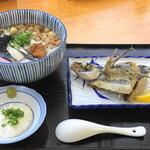 エアポート屋久島 - 屋久島うどん・飛び魚のから揚げ付き(1000円)