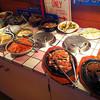 ウッディ - 料理写真:数々の料理が所狭しと並べられるの図