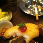 コテツ - 梅肉が乗った揚げ物