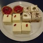 Kantare - ストロベリータルト、バナナクリーム、ニューヨークチーズケーキ