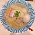 鯛塩そば 灯花 - 鯛出汁塩ラーメン玉子(920円)