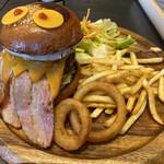 Aloha Dining Lure's Lana -