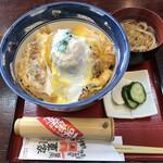 東家  - 料理写真:特製カツ丼(1,000円)