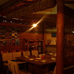 バラクーダ - 南国リゾートの様な落ち着いた店内