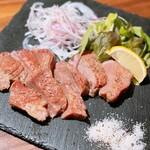 肉バル ジラソーレ - 牛タンステーキ