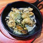 肉バル ジラソーレ - 牡蠣のバターソテー