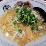 楽園 - 令和2年12月 金の牛かす塩らぁ麺 748円