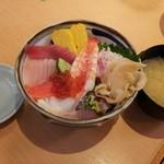 すし三崎丸 板橋区役所前店 - 海鮮丼(ワサビ抜き)880円