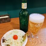 王子ムルギー - ナシカレーに付属するサラダとハートランド小瓶320円