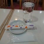 142479513 - ・紙オシボリ、たっぷりな水