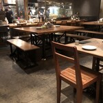ラシーヌ - テーブル席