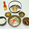 ひめゆり会館 - 料理写真:こだわりのスープは豚骨味、そば粉を使用していない沖縄独特の麺、豚角煮を煮込んだもの、そばとの相性が抜群