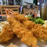 天ぷら 豊野 - 特大海老フライ定食 アップ