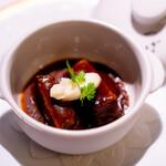 洋食 つばき - 牛頰肉の煮込み