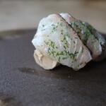 mori - クエの炙り フォアグラのテリーヌを肝醤油のニュアンスで