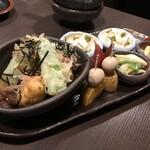 鶏屋 はっぽんめ - 前菜盛り合わせ(800円×2)