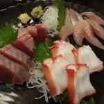 居酒屋タオ - 刺身3点盛り(890円!)