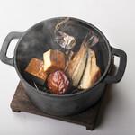 ろばた焼き 海賊 - 燻製づくし (ヤマメ、ホタテ、豆腐)1,580円