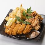 ろばた焼き 海賊 - ひな鶏半身揚げづくし(唐揚げ、天ぷら、フライ)1,580円