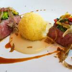 142520575 - 飛騨牛イチボのアッロースト ホホ肉とモッツァレッラチーズのクロケッタ アンチョビ風味のパン粉のソース