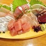 魚鮮水産株式会社 - 本気盛り