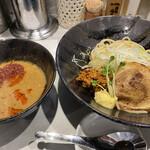 つけめん102 - 濃厚味噌つけ麺(辛い) 1,000円