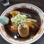 らーめん 信 - 正油ラーメン 750円