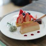 ドルチェメンテ プラス カフェ オット アゴスト - 料理写真:2020年12月再訪:苺のタルトのプリンセット☆