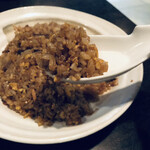痺れ麻婆豆腐とトロトロお肉の回鍋肉 九尾の狐 - 料理写真:ガーリック炒飯
