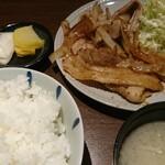 個室焼肉 MIC - 生姜焼き定食  ¥800(税込)