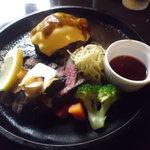 キッチンきむら - チーズハンバーグと、和牛ももステーキ