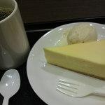タリーズコーヒー - チーズケーキのセットWITHホットコーヒー