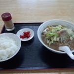 中華料理みき - 料理写真:チャンポンとライス(中)
