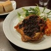 ととら亭 - 料理写真:チキンソテーのピリ辛シャッタ添え、です