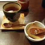 ととら亭 - ランチのデザートと紅茶です