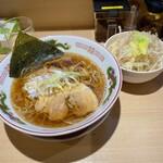 Toukyouramenrairaidou - ラーメン野菜マシ900円也。