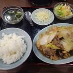 順香 - 豚肉・マッシュルーム・キクラゲ・白菜の炒め物