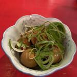 ラッキー餃子会館 - うずら卵 燻製醤油漬320円税別