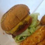 ビッグスマイル - ハンバーガー+チーズ
