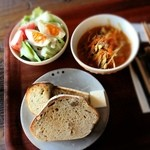 Cafe Crema - 空のパン定食