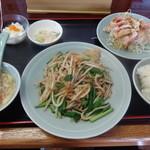 中華料理 萬福 - 烏賊ニラ炒め定食(580円)