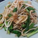 中華料理 萬福 - 烏賊ニラ炒め