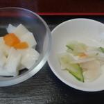 中華料理 萬福 - 杏仁豆腐とお新香