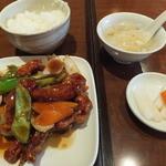 心龍 - ランチの「豚本ロースの黒酢炒め」¥680