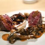 VERMICULAR RESTAURANT THE FOUNDRY - 低温調理した和牛もも肉の薪火ロースト 栗と季節のきのこのフリカッセ 山椒の香り☆