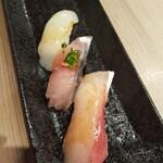 寿司処 都々井 - ブリ   スルメイカ。どんだけイカ好きやねん❗️