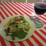 NIRE'S DELI - ハウスワインとサラダ
