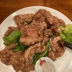 142613444 - 豚バラ唐揚げ紅麹風味。永遠に食べられる